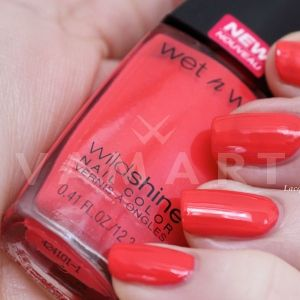 Wet n Wild Wild Shine Лак за нокти 475 Grasping at Strawberries