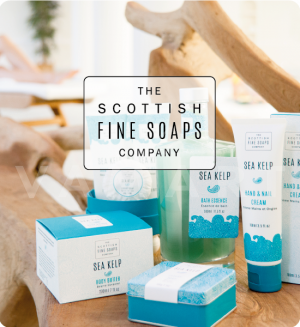 Scottish Fine Soaps Sea Kelp Козметичен комплект 3 продукта и гъба за баня