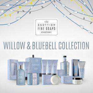Scottish Fine Soaps Willow & Bluebell Козметичен комплект 3 продукта и гъба за баня с Несесер