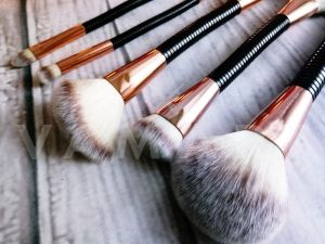 Makeup Revolution London Flex Dual Brush 02 Highlight and Glow Четка за хайлайтер